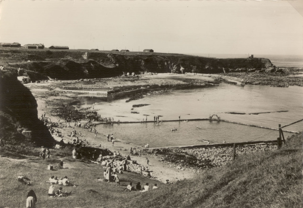 BRO 1636-9-42 Berwick Bathing Pools 1950's