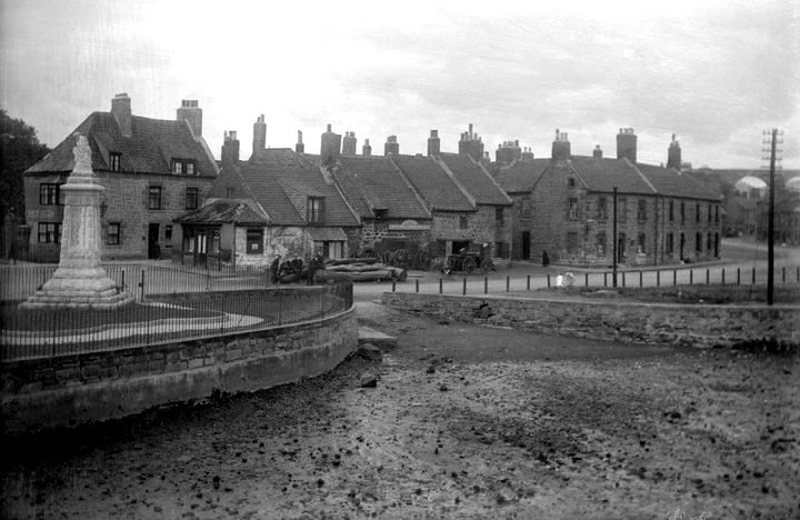 Early 1900s photograph, looking towards the West End, Tweedmouth from the Berwick Bridge (Old Bridge). Unknown photographer.