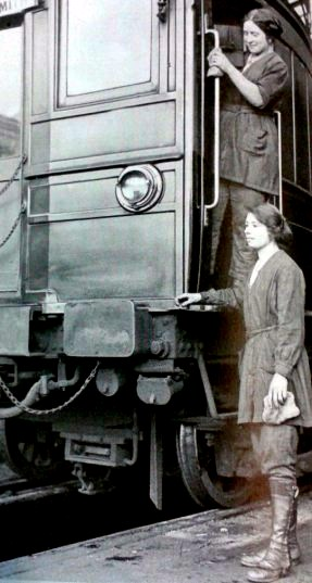 Women worked in many occupations on the railway in WW1. This photograph shows them as carriage cleaners