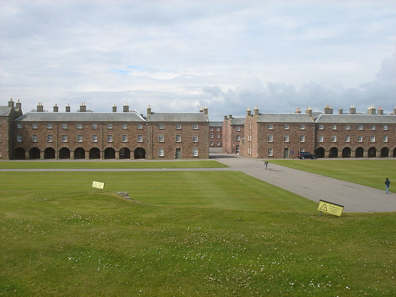 View of the barracks at Fort George. © Cp111 - Creative Commons Attribution-Share Alike 3.0 Unported license.