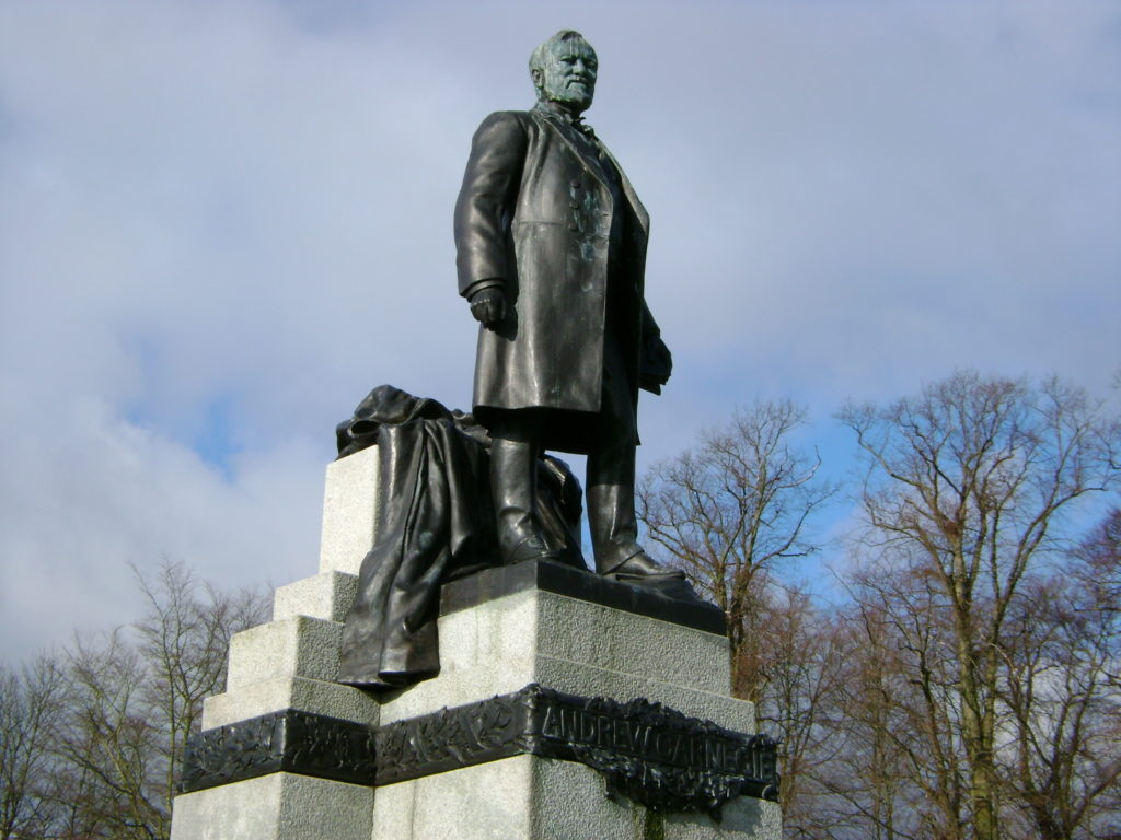 Statue of Andrew Carnegie, Pittencrieff Park, Chambers Street, Dunfermline, Fife. © userkilnburn wikimedia commons.