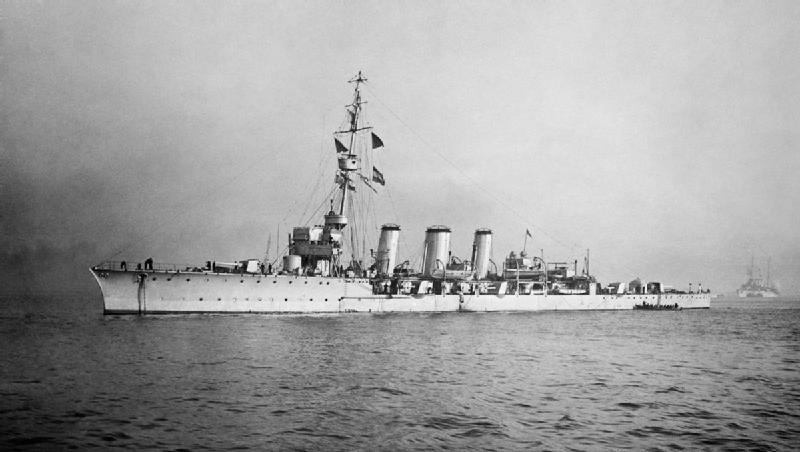 HMS Galatea, the flagship of the 1st Light Cruiser Squadron under Commodore E.S. Alexander-Sinclair. © HMSO has declared that the expiry of Crown Copyrights applies worldwide. Wikimedia Commons.
